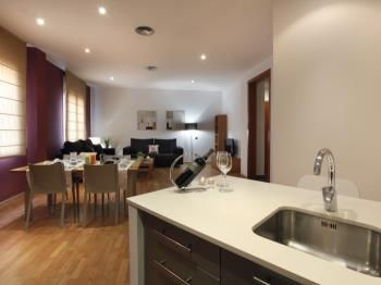 Places4stay Ramblas 2 Bedrooms Apartment - Apartment in Barcelona